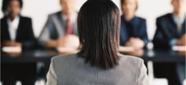 Erros de linguagem corporal que deve evitar numa entrevista de emprego